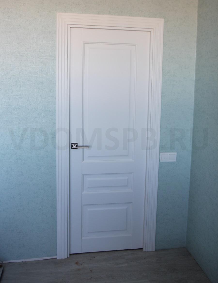 Білі двері в інтерєрі квартири: з чим поєднувати, реальні фото