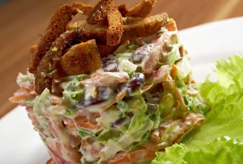 5 салатів з мяса, які ви захочете спробувати на новий рік