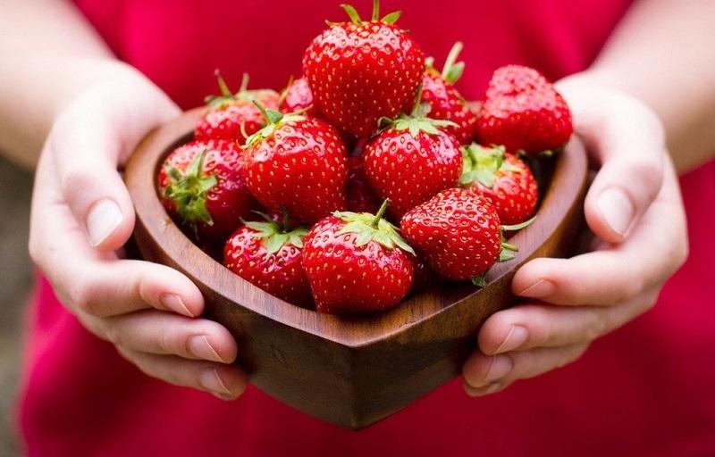 10 причин посадити на присадибній ділянці полуницю