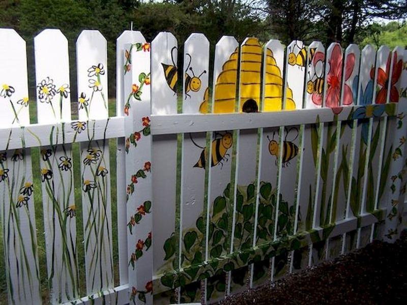 5 ідей, як заховати негарний паркан на вашій ділянці