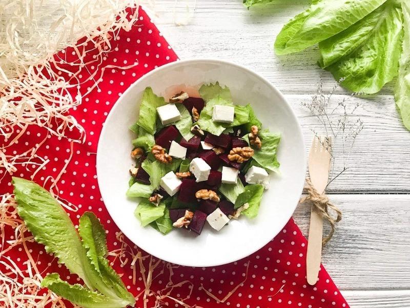 5 корисних новорічних салатів, які допоможуть зберегти фігуру на свята