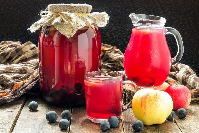 6 смачних напоїв, які можна готувати прямо на дачі