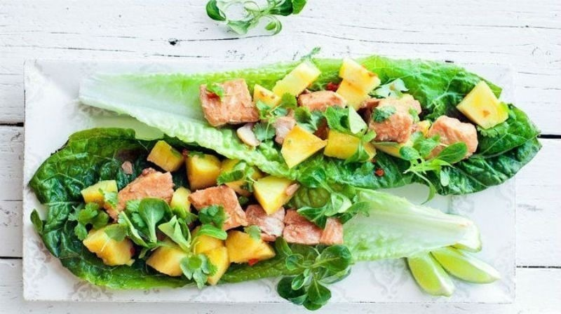 5 неймовірно смачних салатів, які так і просяться на новорічний стіл