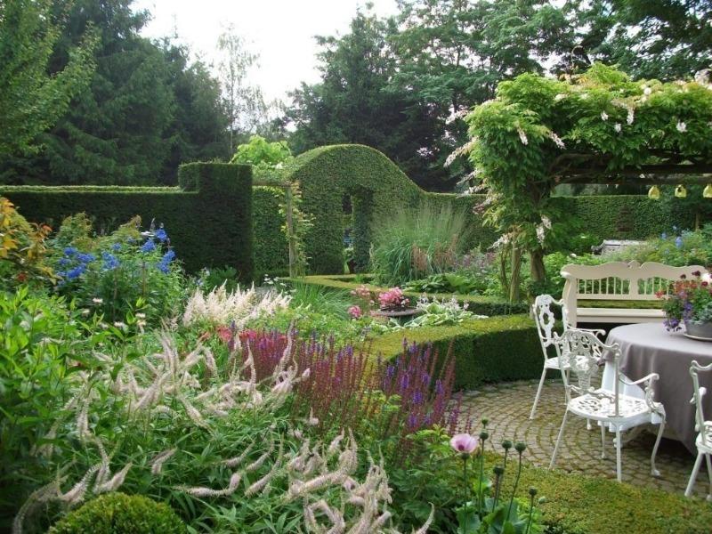 7 чудових способів додати романтичної атмосфери в ваш сад