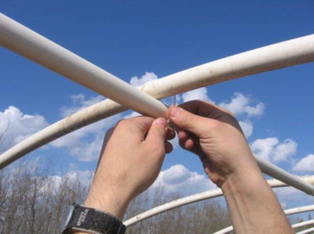 Виготовляємо теплицю з пластикових труб своїми руками