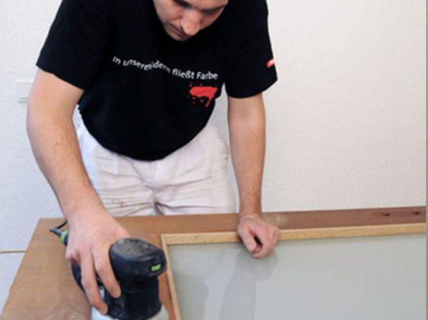 Перевтілення двері: тонкощі фарбування