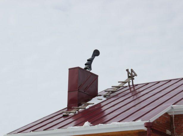 Вгадуємо напрямок вітру: встановлюємо на дах флюгер