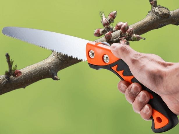 Ножівка по дереву: як вибрати ручну пилу