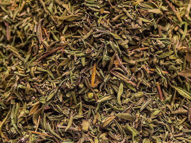 Богородична трава-чебрець: 5 корисних рецептів, лікувальних і кулінарних