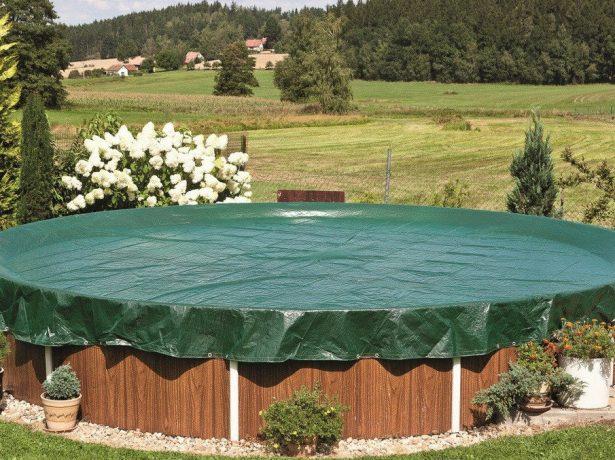 Чи можна використовувати прозору плівку, щоб накрити басейн