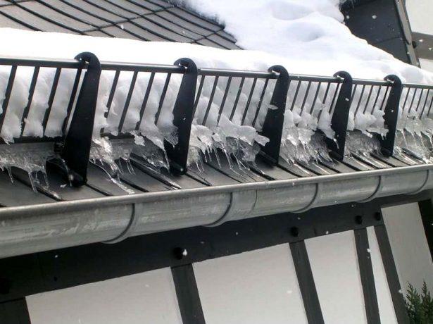 Снігозатримувачі для мякої покрівлі: як вибрати, розрахувати кількість і встановити